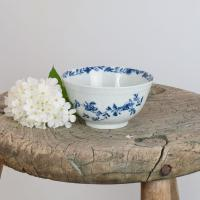 First Period Worcester Porcelain Feather Moulded Floral Small Slop Bowl (6 of 6)