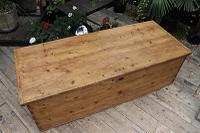 Mega Trunk! Huge! Old Pine Blanket Box / Chest / Table / Storage - We Deliver! (2 of 10)