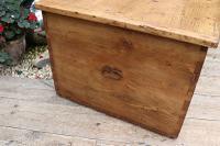 Mega Trunk! Huge! Old Pine Blanket Box / Chest / Table / Storage - We Deliver! (5 of 10)