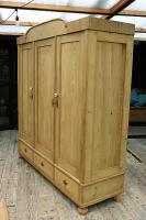 Huge! Quality! Old Pine Triple Knock Down' Wardrobe - We Deliver / Assemble (5 of 15)