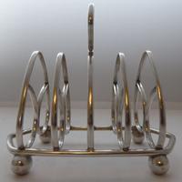 Pair of 1916 Irish Dublin Solid Hallmarked Silver Toast Racks Heart Design (4 of 10)