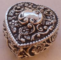 1901 Valentine Love Heart Hallmarked Solid Silver Pill Jewellery Earring Box