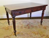 Gillows Mahogany 'Universal' Table c.1820