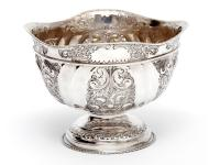 Late Victorian Oval Silver Fruit Bowl Embossed with Scrolls and Flowers (3 of 7)