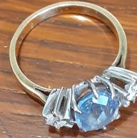 Diamond and Sapphire Ring (4 of 5)