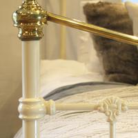 Brass & Iron Bed in Cream c.1890 (5 of 9)