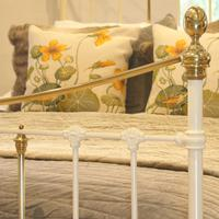 Brass & Iron Bed in Cream c.1890 (7 of 9)