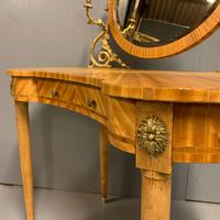 French Kidney Shape Dressing Table (8 of 10)