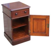Superb Pair of Victorian Mahogany Bedside Cabinets (7 of 9)