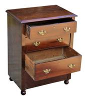 Lovely Quality Victorian Small Mahogany Chest of Drawers (5 of 7)