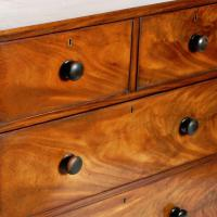 Mid 19th Century Mahogany Chest of Drawers (6 of 7)