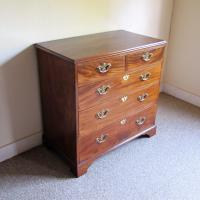 Mahogany Chest of Drawers (3 of 5)
