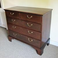 Mahogany Chest of Drawers (3 of 4)