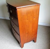 Mahogany Bow Front Chest of Drawers (5 of 7)