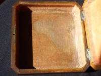 Italian Marquetry Box Sorrento  Ware - Depicting Folk Dancers (10 of 10)