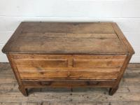 18th Century Oak Coffer with Cleated Plank Lid (3 of 19)