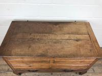 18th Century Oak Coffer with Cleated Plank Lid (6 of 19)