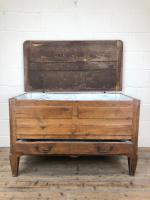 18th Century Oak Coffer with Cleated Plank Lid (8 of 19)
