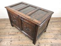 Antique 18th Century Welsh Oak Coffer with Carved Front (7 of 12)