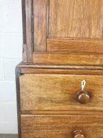 Early 19th Century Welsh Oak Linen Press Cupboard (8 of 13)