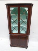 Chippendale Period 18th Century Corner Cabinet