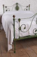 Very Lovely Early Victorian King Size Bedstead (13 of 13)