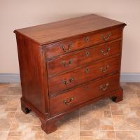Small 19th Century Mahogany Chest of Drawers (3 of 15)
