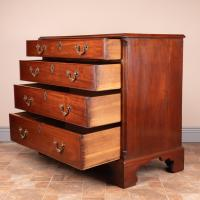Small 19th Century Mahogany Chest of Drawers (9 of 15)