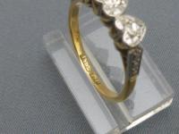 1930s 3 Stone Diamond Heart Ring (4 of 5)