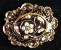 Gold Memorial Brooch, Enamelled