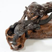 Meiji Period Bronze of a Tiger and An Alligator by Genryusai Seiya (4 of 6)