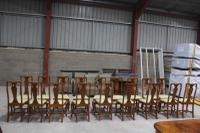 1960s Set of 18 Mahogany Queen Anne Style Dining Chairs with Pop-out Seats (3 of 4)