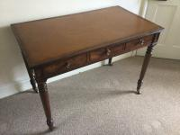 Gillows of Lancaster Early 19th Century Leather Top Writing Table