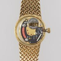 Vintage Omega 9ct Gold Bracelet Watch Woman's Quarts Watch with Herringbone Strap (10 of 11)
