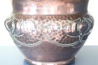 Art Nouveau / Arts & Crafts Copper Jardiniere, Stylised Floral Decoration / Pie-Crust Lip c.1900 (6 of 21)