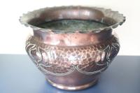 Art Nouveau / Arts & Crafts Copper Jardiniere, Stylised Floral Decoration / Pie-Crust Lip c.1900 (12 of 21)