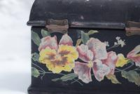 Miniature Victorian Black Lacquer Jewellery Casket with Painted Pansies (10 of 10)