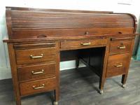 Oak Tambour Front Lockable Desk (4 of 8)