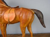 Vintage Leather Horse Model (6 of 9)