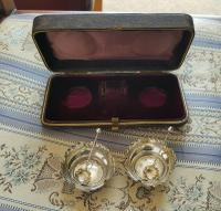 Beautiful Victorian John Millward Banks Solid Silver Salt & Spoon Cased Set Birmingham 1890 (9 of 9)