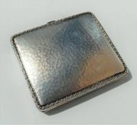 Rare Stunning Austrian  Solid Silver Planished Finish Cigarette / Card Case c.1900 (6 of 12)