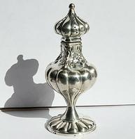 Beautiful Victorian Barker Bros Solid Silver Bulbous Fluted Design Pounce Pot     Birmingham 1898 (4 of 12)