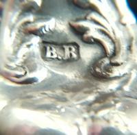 Beautiful Victorian Barker Bros Solid Silver Bulbous Fluted Design Pounce Pot     Birmingham 1898 (12 of 12)