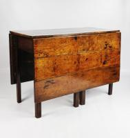 Fine Early 18th Century Double Gateleg Table