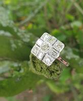 18ct Wg Square Cluster (7 of 8)