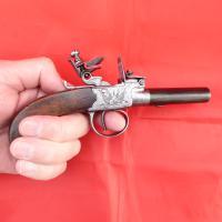 Scottish Flintlock Pocket Pistol (5 of 6)
