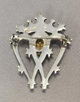 Scottish Silver Luckenbooth Brooch Set with a Citrine. Hallmark Edinburgh 1973 / 1974 (8 of 8)