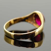 18ct Yellow Gold Synthetic Ruby Signet Ring (6 of 7)