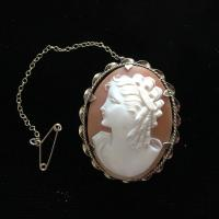 9ct Gold Shell Cameo Brooch c.1970