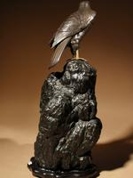 Very Decorative Bronze Model of a Hawk Sitting on a Craggy Rock (9 of 15)